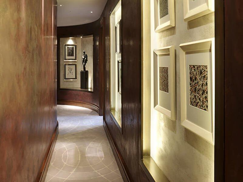Другой пример использования легких вкраплений шелка для создания неповторимого дизайна на роскошном шерстяном ковре Craigie Stockwell