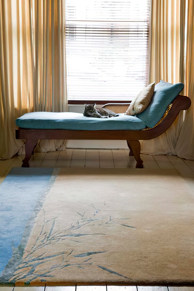 Stephanie Bretherton of Quick Step PR commissioned this special rug with silk accents for her new home.