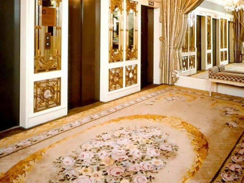 L'hôtel Plaza, New York : Le hall d'ascenseur