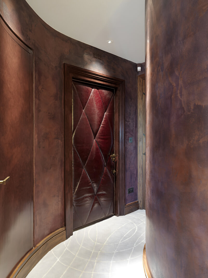 When Karin Verzariu of Key Interiors asked us to help her create these exciting carpets for a luxury penthouse in London, she specified the curves very precisely to work with the rhythm of the interiors. Silk was used abundantly to give added luxury.