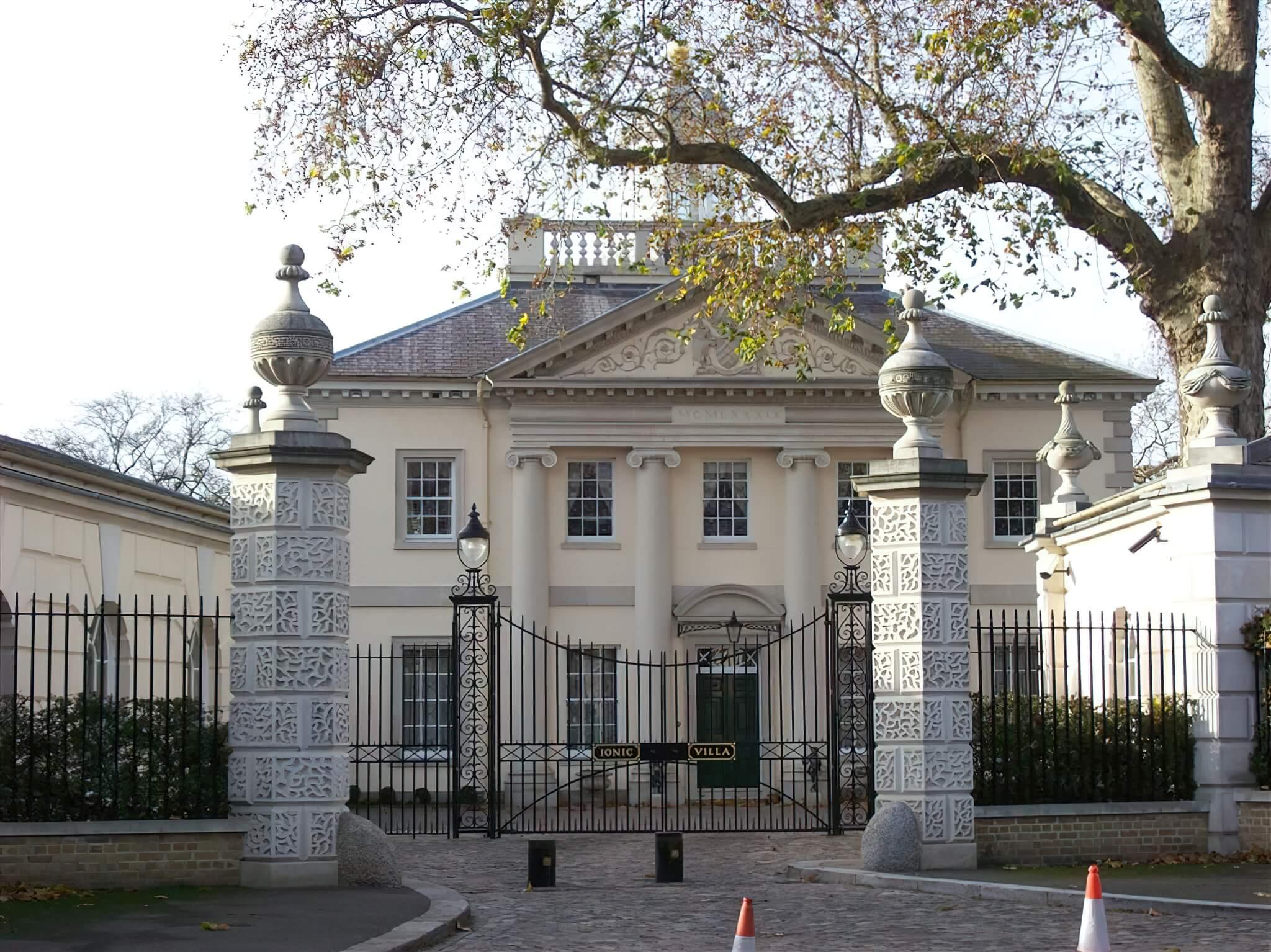 Ionic Villa Craigie Stockwell